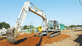 Chinese peacekeeping engineers repair three roads in Sudan