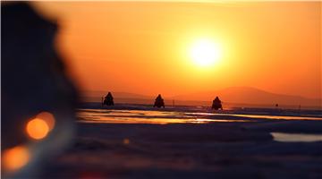 Frontier soldiers patrol Khanka Lake