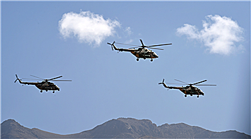 Army aviation brigade carries out flight training in Xizang