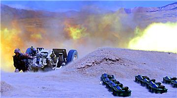 Live-fire operation in Xinjiang plateau area