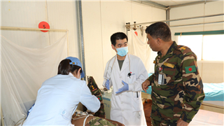 Chinese peacekeeping doctors save life of Bangladeshi peacekeeper