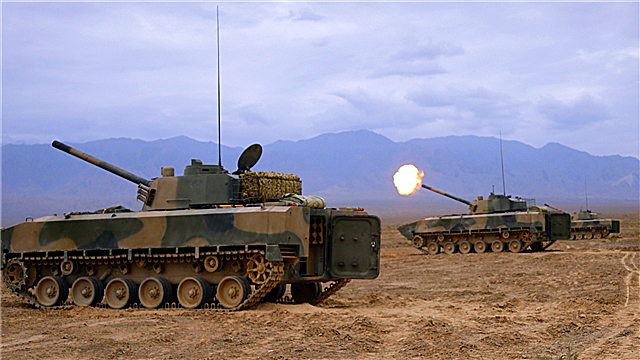 Self-propelled howitzer systems fire in live-fire operation