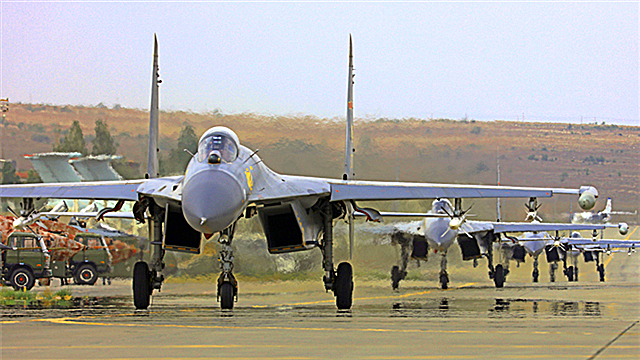J-11 fighter jets taxi before takeoff