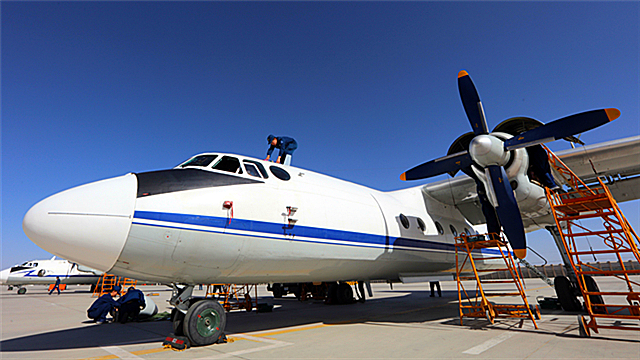 Y-7 transport aircraft receive phase maintenance