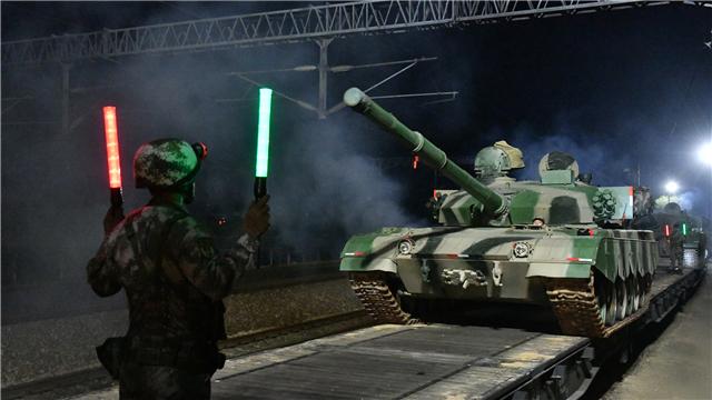 Main battle tanks complete railway transportation