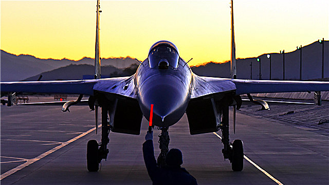 J-11 fighter jets prepare for night flight