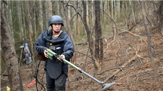 Scars of war last decades: unexploded bombs at China's border with Vietnam