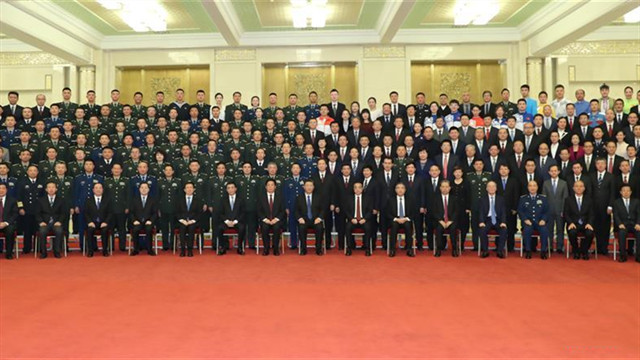 Xi meets representatives of PRC anniversary celebrations personnel