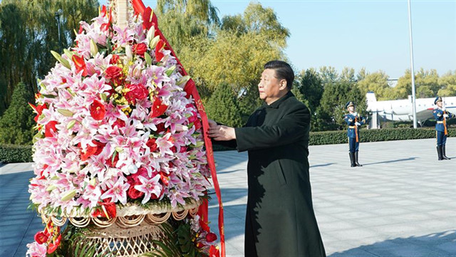 Xi stresses building world-class air force
