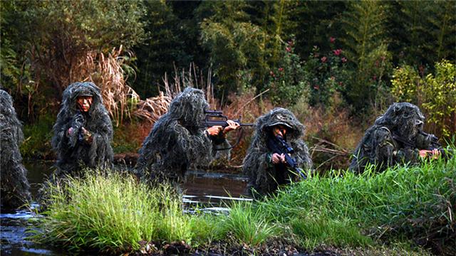 Snipers ambush mock targets