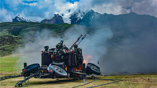 Live-fire air-defense test held in Xizang