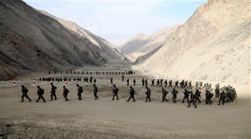 Soldiers shuttle through canyons