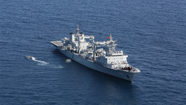 Chinese naval ships conduct real combat training in Gulf of Aden