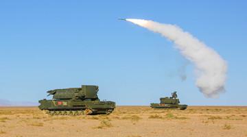 Air defense brigade conducts whole-process live-fire test in Gobi Desert