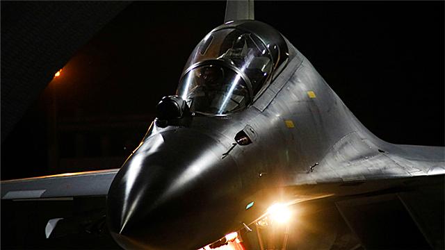 Fighter jets prepare for night flight
