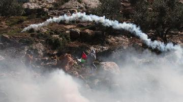 Palestinian protesters clash with Israeli soldiers in east of Nablus
