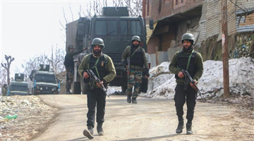 2 militants killed in Indian-controlled Kashmir gunfight
