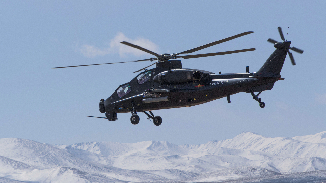 Gunship carries out live-fire training in Tibet