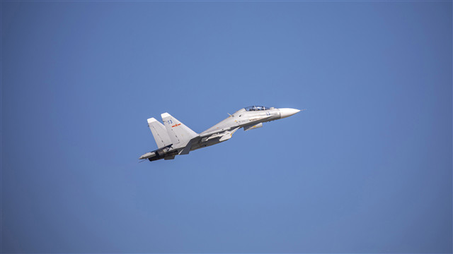 Fighter jets in round-the-clock live-fire training
