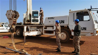 Chinese peacekeepers to Mali assist Burkinabe counterparts in construction task