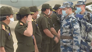 PLA medical experts honored with Lao army friendship crosses